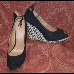 MOSSIMO black suede wedge 9